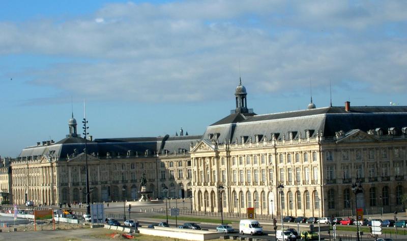 Banque De France Owns Almost 20% of Public Debt