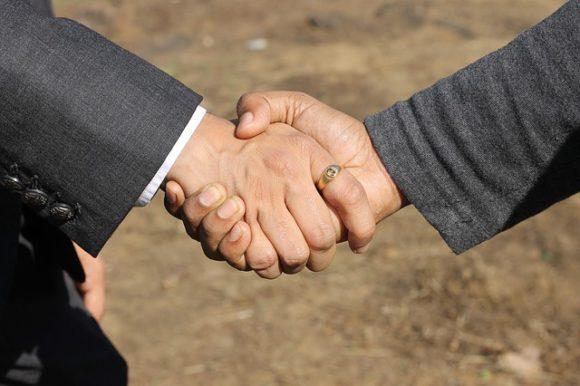 choosing the right gold broker